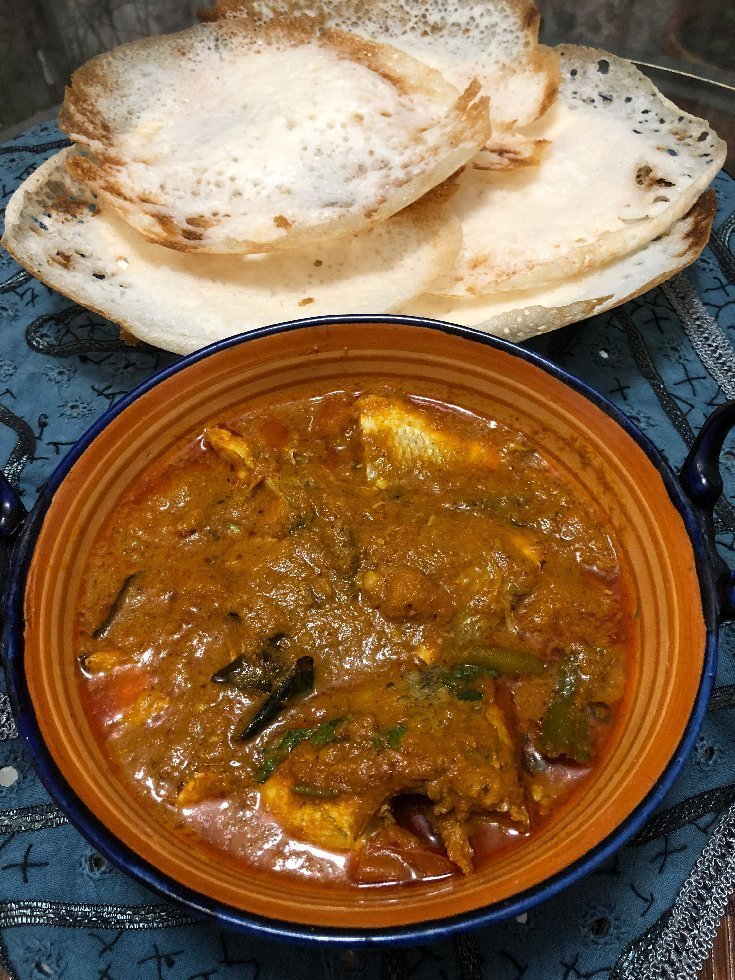 fish curry with hoppers
